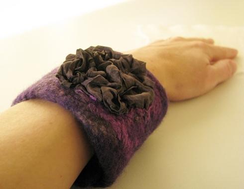 Sijafelt_Purple_bracelet_3