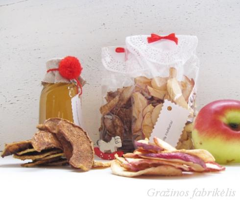 dziovinti obuoliai, obuoliai su cinamonu ir moliugu sirupas